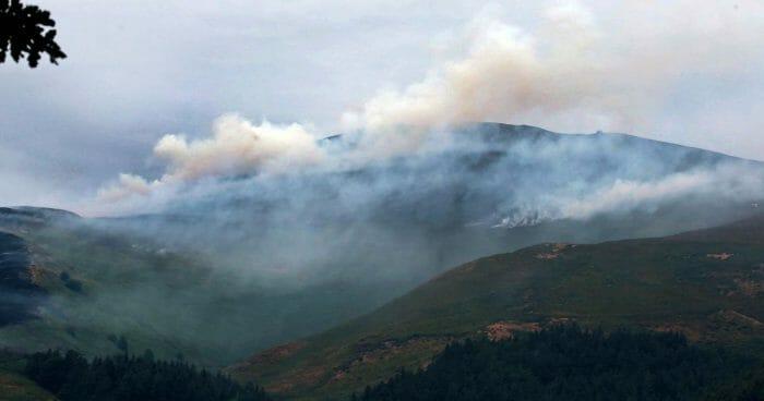 Fire on Llantysilio Mountain near Llangollen-(Image Daily Post Wales)