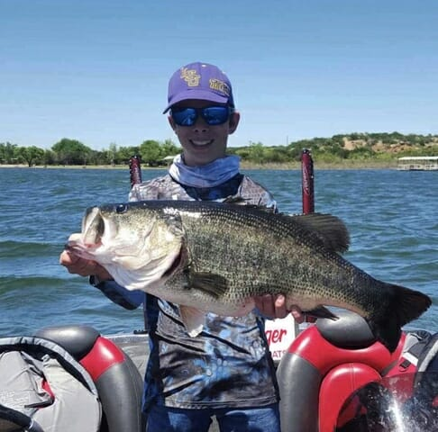 Texas junior rod and reel record largemouth bass caught by Gavin Mikeska at Oak Creek Reservoir April 20, 2019.