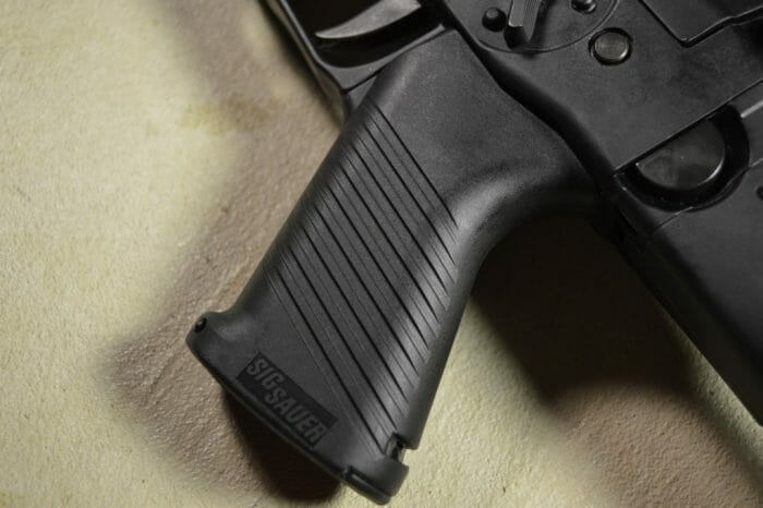 SIG 522 550 Pistol Grip