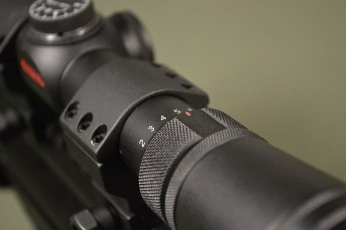 Redfiled Revolution 2-7x33mm Magnification
