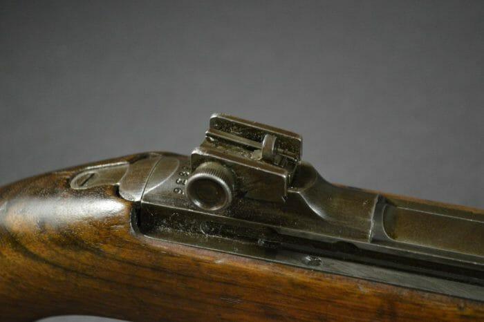 Adjustable rear sight